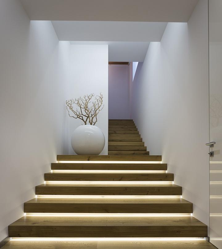 Come illuminare scale ecorridoi